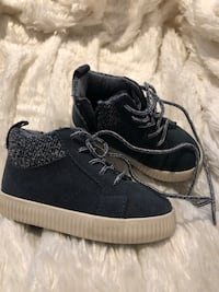 Baby boy blue suede high tops size 21 Toronto, M9C 2J9