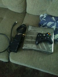 Mw3 xbox360 with games downloaded on it  Fresno, 93703