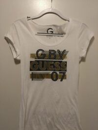 Guess T-shirt Size Small - NEW
