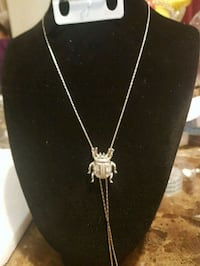 NEW, silver-colored pendant necklace,$5 537 km