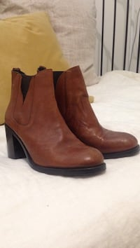 Boemos leather booties Vaughan, L6A 1E5