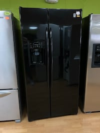 GE black side by side refrigerator  Woodbridge, 22191