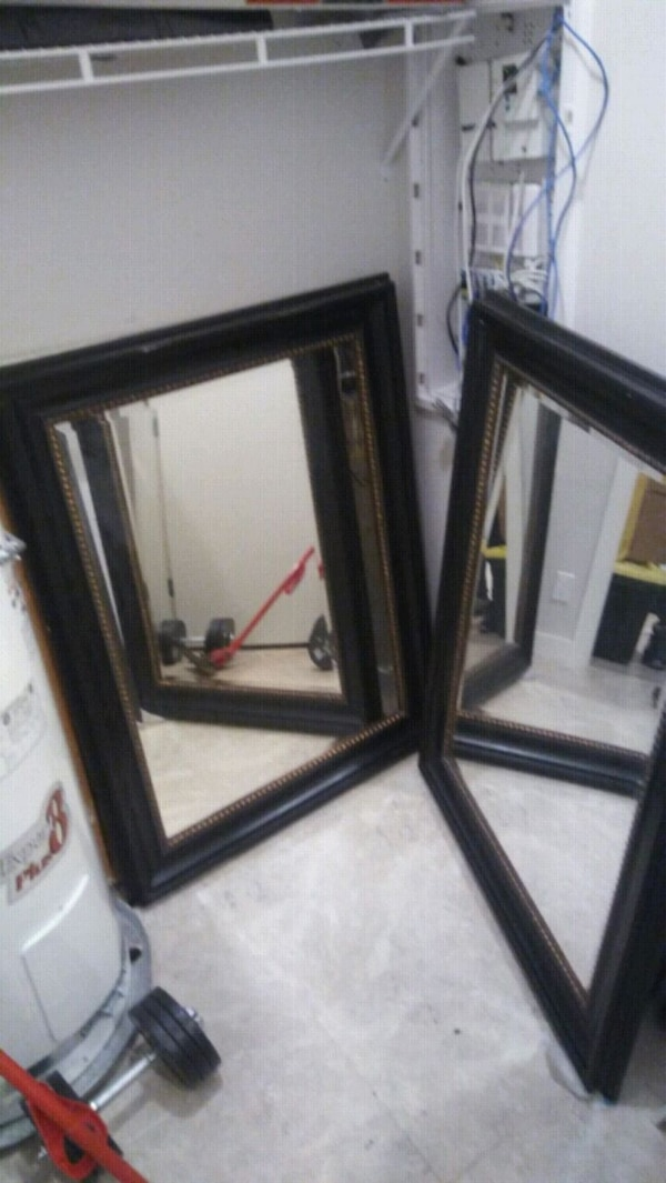2 Beautiful Mirrors. about. 4.5ftx3ft 27ec74c6-a558-4854-9a9b-4757eca602e9