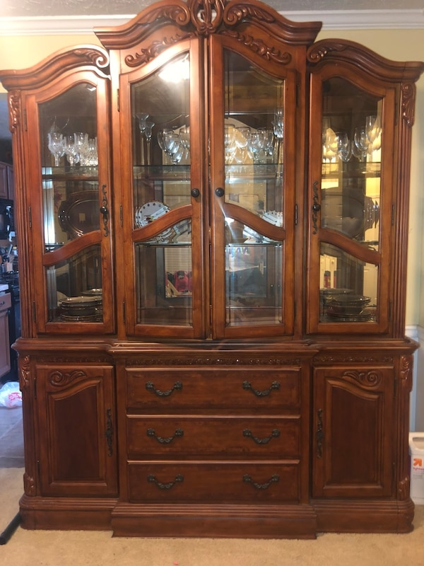 Used Cherry Wooden China Cabinet In Good Condition For Snellville Letgo