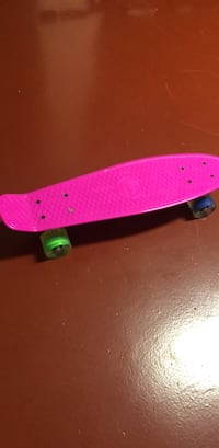 Starter Skateboard with light up wheels 24 mi
