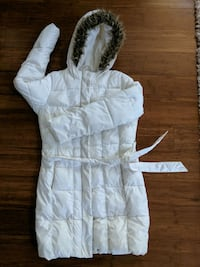 women's S white puff coat  Hagerstown, 21740