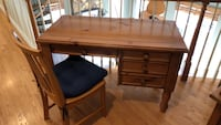 Pottery barn desk and  chair Oakton, 22124