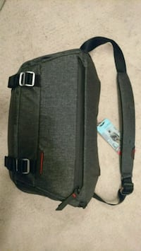 Peak design 10l sling bag