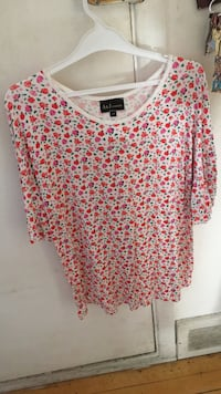 women's pink and white floral blouse Laval, H7W 1V3