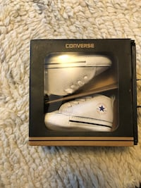Pair of baby's white converse all-star sneakers with box Delta, V4C 8H2