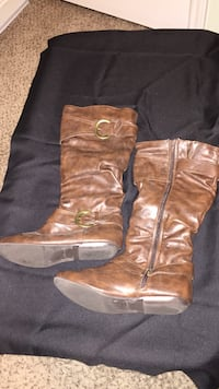 pair of brown leather boots Corpus Christi, 78414
