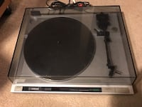 Yamaha p-300 Turn table for sale Oakland, 94610