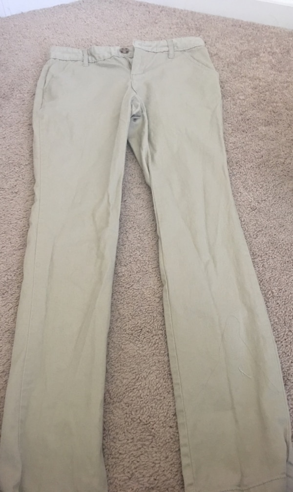 c3ce1f6ef2077 Used Old navy khaki jeggings for sale in New Smyrna Beach - letgo