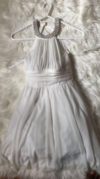 Short white dress  Mississauga, L5M 5E2