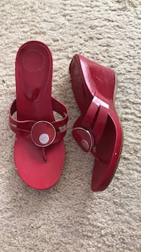 Pair of red leather open-toe heeled sandals Bristow, 20136