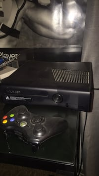 XBOX 360 (4 Controllers) All Cables Carlsbad, 92010