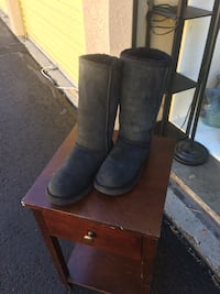 pair of black leather boots Reno, 89509