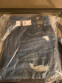 Brand new men jeans with tag 奥马哈, 68106