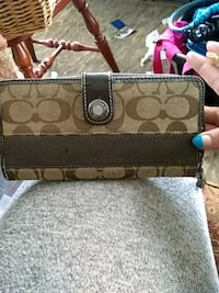 Coach wallet Akron, 44306