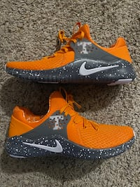 Nike trainers Tennessee volunteers size 11