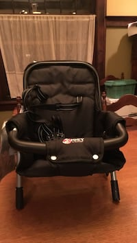 Toddler's black Joey chair