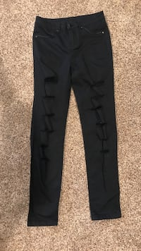 Small black stretchy jeans