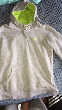 Gray and lime green under amour hoodie Mapleton, N0B