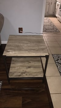 End table Suffolk, 23435