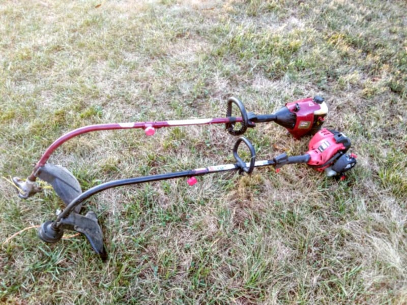 Two WeedEaters, String Trimmers 489a5b9d-86bc-4877-beba-dc5cf2fd273b
