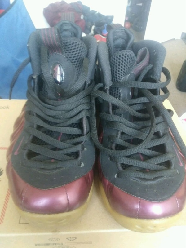 reputable site f509c c9152 Used Maroon/ peanut butter and jelly foams size 9.5 for sale ...