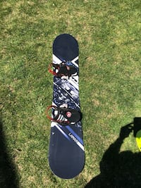White and black snowboard with bindings Brampton, L6V 2A8