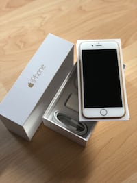 Gold  iphone 6 with box Anmore, V3H