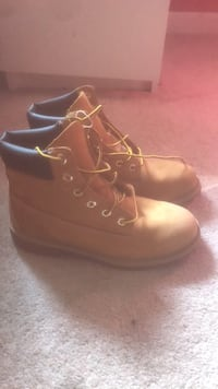 pair of brown leather work boots Woodbridge, 22192