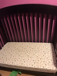 Convertible crib with white mattress  Windsor, N8W 5V4