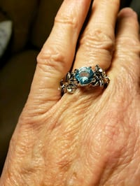 Blue stone with flower rhinestone ring size 7