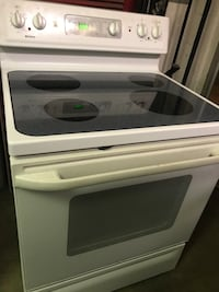 Kenmore Bright White Perfect Glass/Smooth Top Electric Stove Range! 100% GUARANTEED! We Can Deliver TODAY!  Dayton, 45403