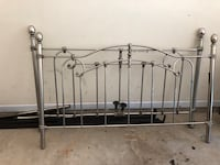 Queen Iron bed with rails Sandy Springs, 30328