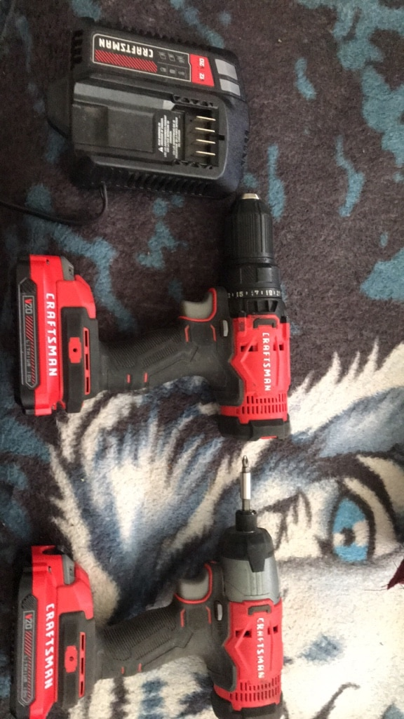 Photo Craftsman 20v drill set and charger
