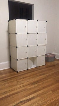 Cubicle storage container