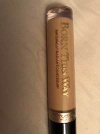 Too faced - Born this way concealer- MEDIUM Toronto, M5V 3V4