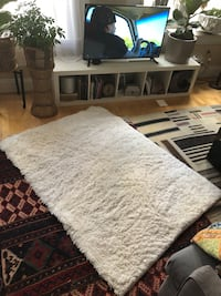 Fluffy White Rug Norfolk, 23510