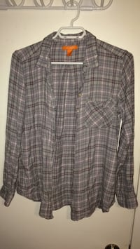 Women's flannel. Size large, from Joe fresh Saskatoon, S7M 3T1