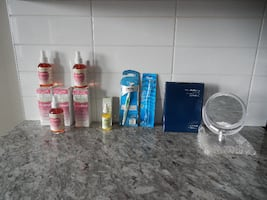 *New* Beauty Products: Includes (x1) Avon Freestanding Magnyfying Mirr