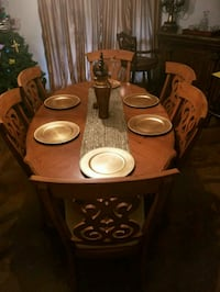 Dining room table with 6 chairs Gonzales, 70737