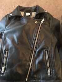 Gap Kids leather jacket Philadelphia, 19139
