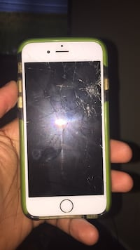 Smartphone iPhone 6s cracked but work with case Greensboro, 27407