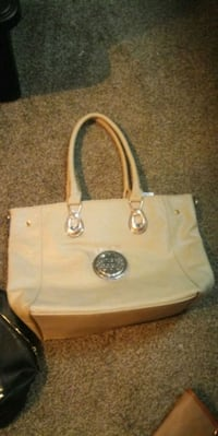 white leather Michael Kors tote bag Shelbyville, 37160