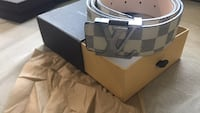 Gray and black louis vuitton leather belt Dearborn Heights, 48125