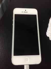 iphone 5- mint condition & unlocked! Mississauga, L5V