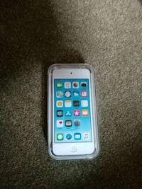 32gb ipod touch un opened  Woodinville, 98077
